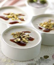 Crema cocinada con pistachos y Mastiha